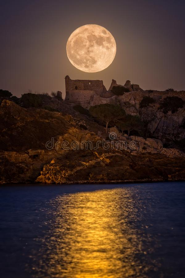 Free Full Moon Over The Old Castle In Costa Brava In A Holiday Village Fosca , Spain Royalty Free Stock Images - 110264879