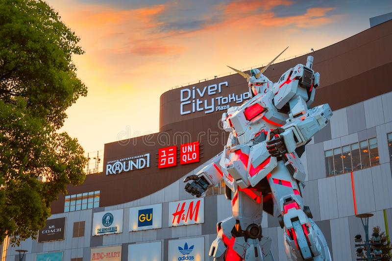 Full-size Mobile suit RX-0 Unicorn Gundam at Diver City Tokyo Plaza in Tokyo, Japan royalty free stock photos