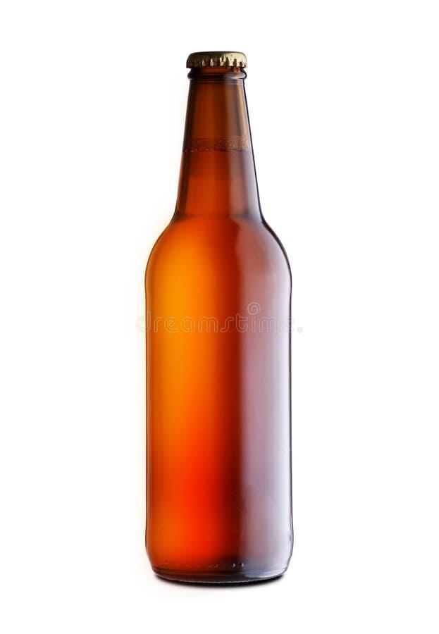 Full stängd flaska av öl royaltyfri fotografi