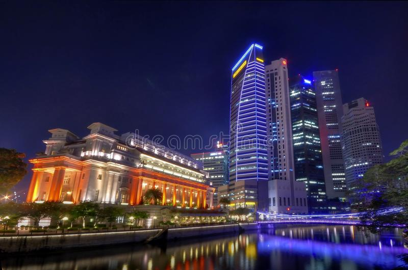 Download Fullerton Hotel And The Singapore CBD Skyline Editorial Stock Photo - Image of dusk, architecture: 16333113