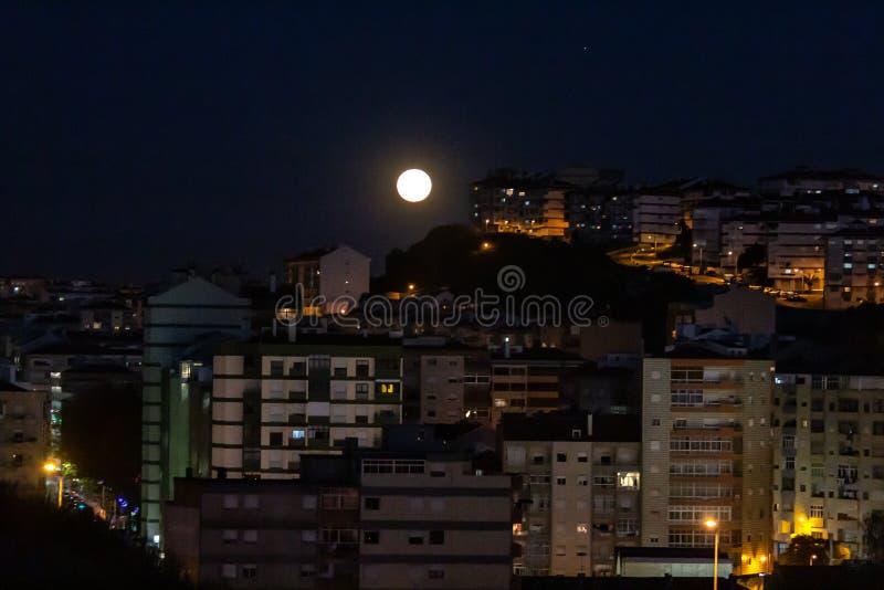 Fullmoon над Sintra стоковое изображение