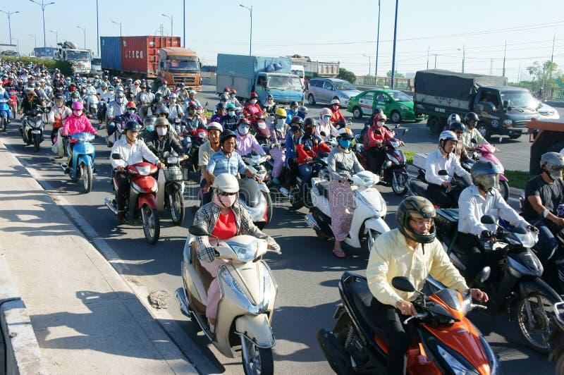 Fullsatt Vietnam, ctiy Asien, medel, avgaser, arkivfoton
