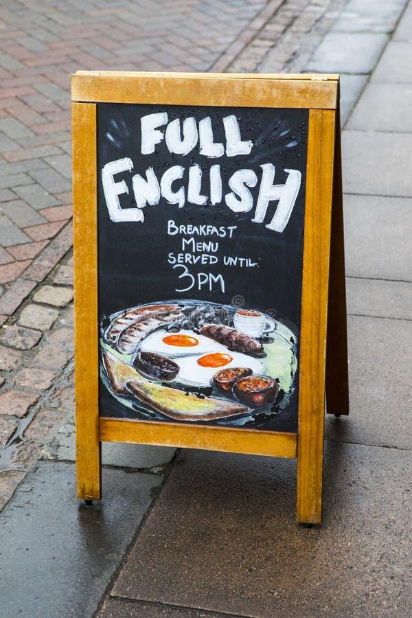Fullt engelsk frukosttecken royaltyfria foton