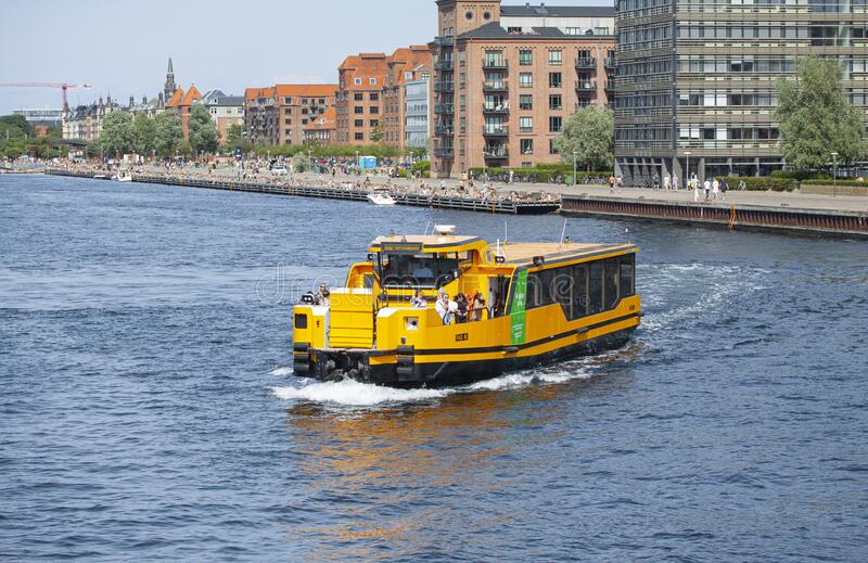 Fully electric water bus ferries are reducing the CO2 pollution from public transportation stock photography