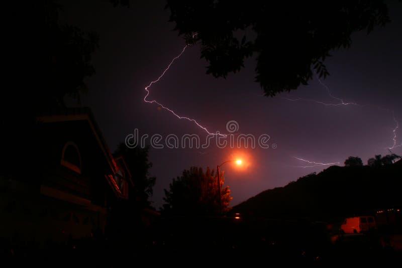 Fulmine alla notte fotografia stock