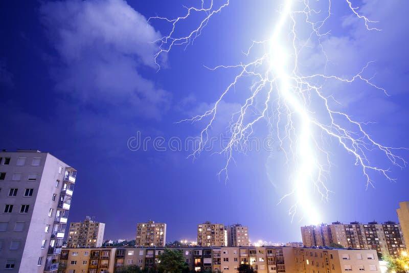 Fulmini - tempesta e temporali immagine stock