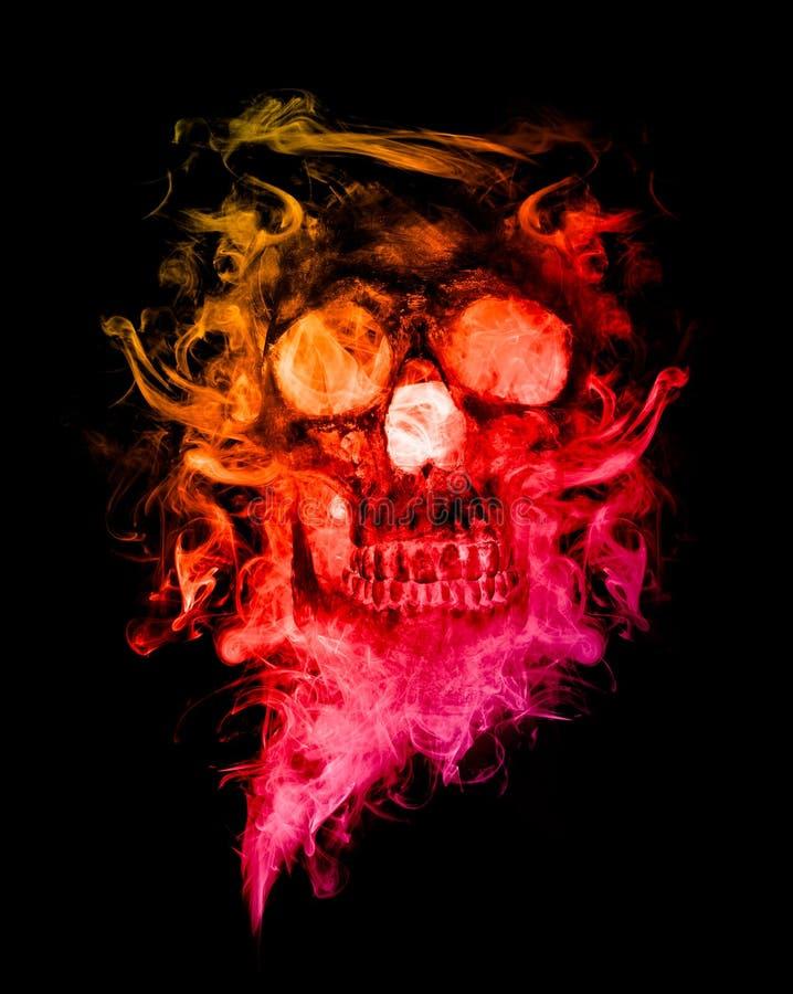 Fumée colorée de forme de crânes photographie stock libre de droits