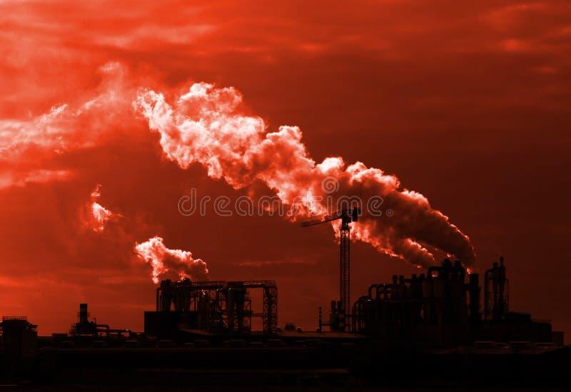 Fumée d'ensemble industriel photographie stock libre de droits