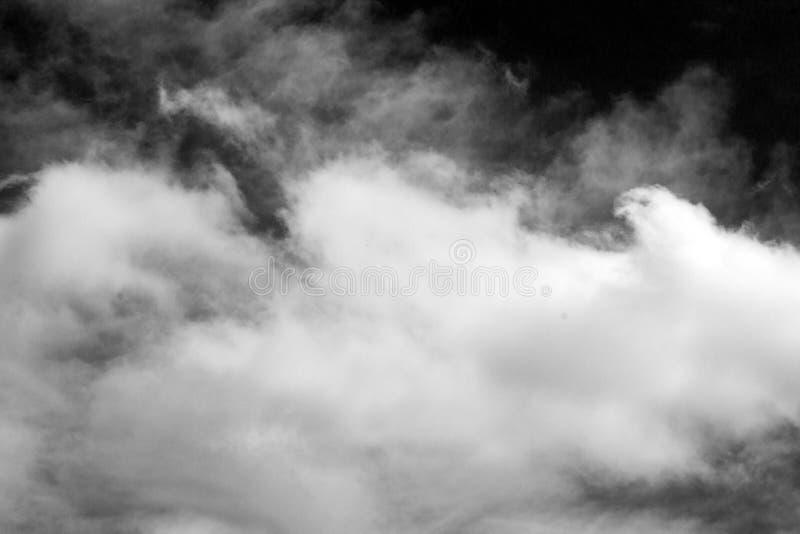 Fumée dans le ciel image libre de droits