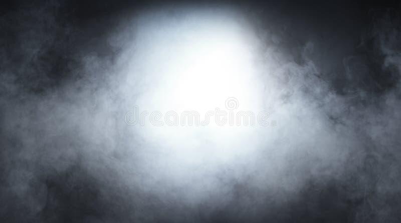 Fumée gris-clair sur un fond noir