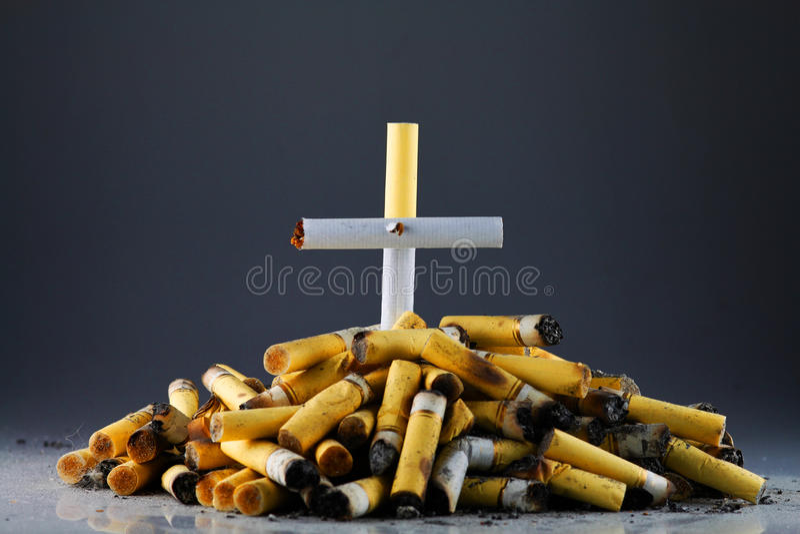 Fumar-muerte imagen de archivo libre de regalías