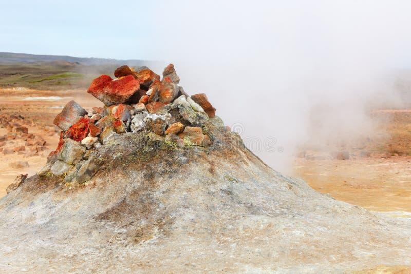 Fumarole w geotermicznym terenie Hverir, Iceland obraz stock