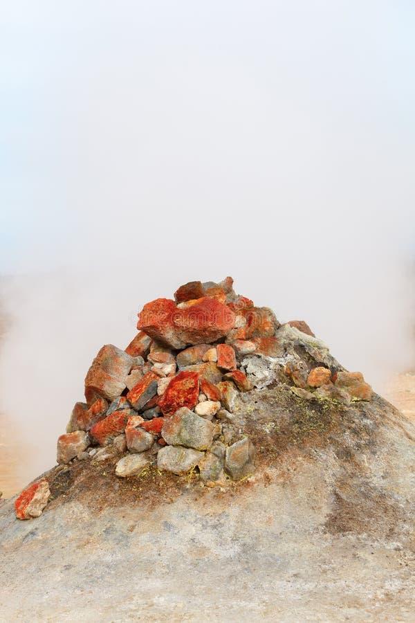 Fumarole w geotermicznym terenie Hverir, Iceland obrazy royalty free