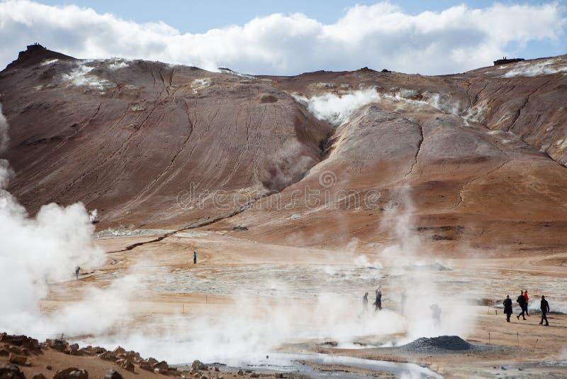Fumarolegebied op het Geothermische Gebied van Namafjall, IJsland royalty-vrije stock foto