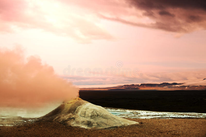 Fumerolle en Islande image libre de droits