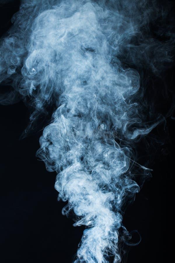 Download Fumo immagine stock. Immagine di flusso, bianco, nero - 117980169
