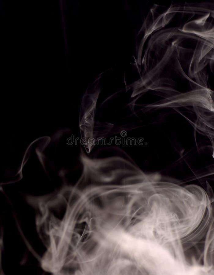 Download Fumo immagine stock. Immagine di tracce, estratto, polmoni - 204825