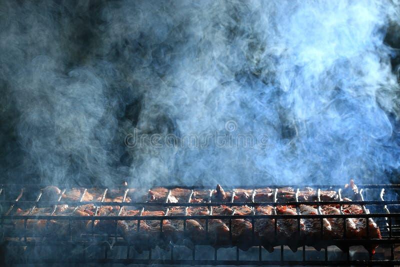 Fumo arrostito della carne fotografie stock libere da diritti