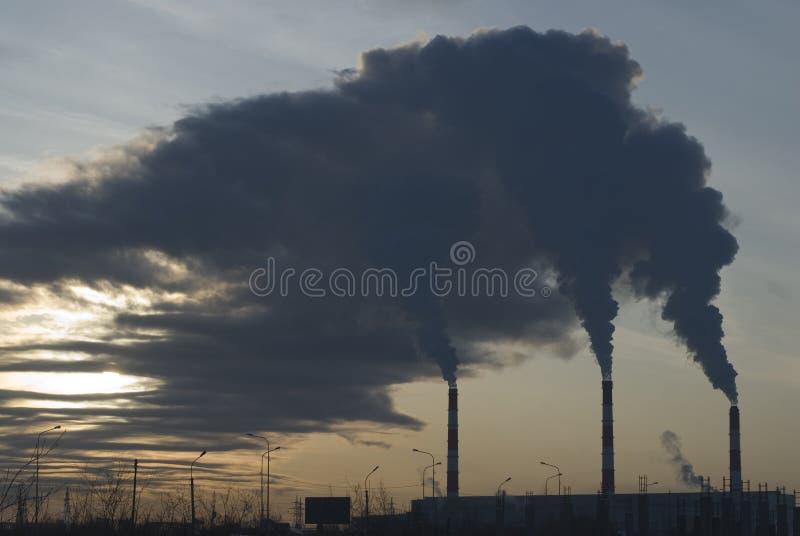 Fumo da fábrica fotografia de stock royalty free