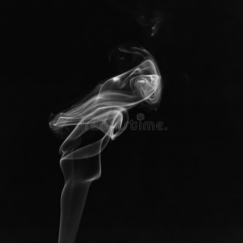 Fumo de uma vara do incenso fotos de stock