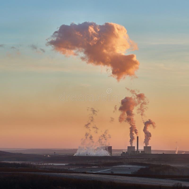 Fumo della centrale elettrica fotografia stock