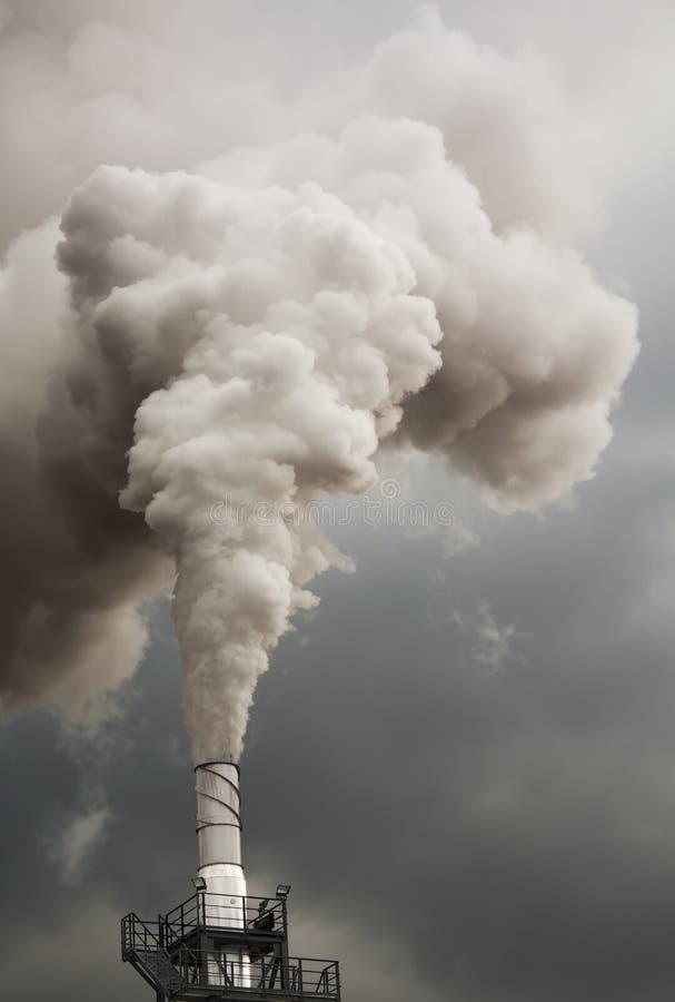 Fumo della sporcizia fotografie stock