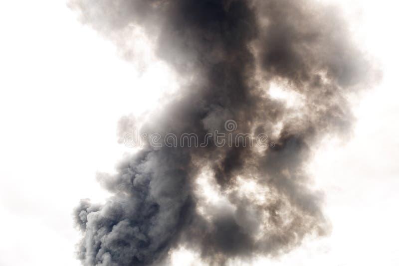Fumo denso e scuro da un fuoco fotografia stock libera da diritti