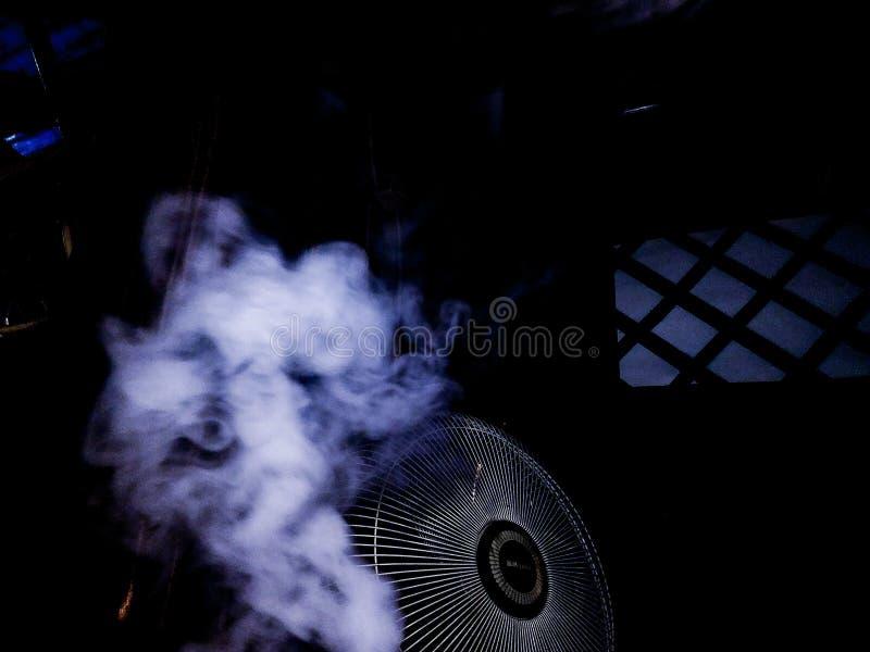 """Fumo ¥ do ðŸ do ¿ do ` do ðŸ de 4 vidas"""" imagens de stock"""