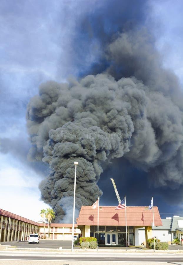 Fumo pesante dei prodotti seri di conflagrazione dell'hotel immagine stock libera da diritti