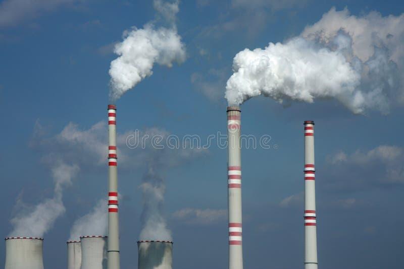 Fumo poluído da central energética de carvão imagem de stock royalty free