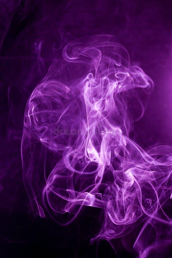 Fumo roxo tóxico fotos de stock royalty free