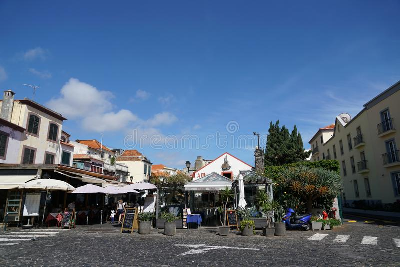 Funchal i madeiragatasikt arkivfoto