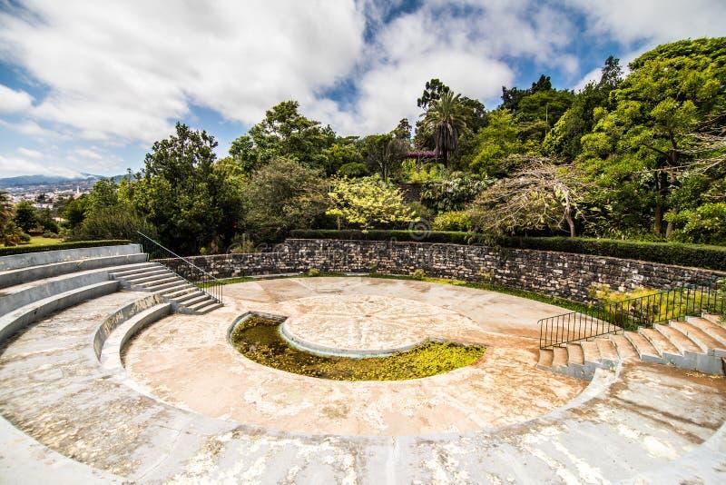 Funchal, Madeira - julio de 2018 El jardín botánico famoso en Funchal, isla Portugal de Madeira foto de archivo