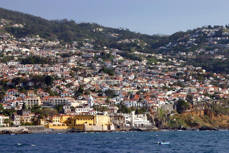 Funchal, vista dall'oceano fotografie stock
