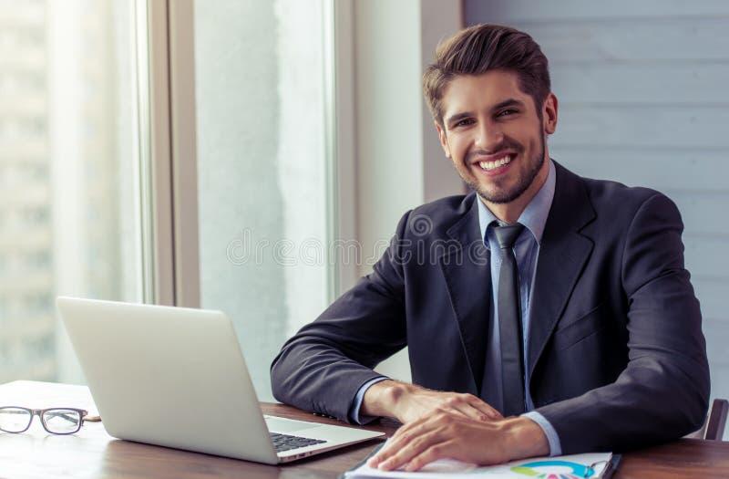 Funcionamento novo considerável do homem de negócios fotos de stock
