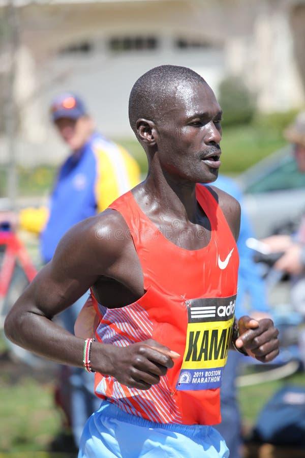 Funcionamentos de Peter Kamais na maratona de Boston fotos de stock