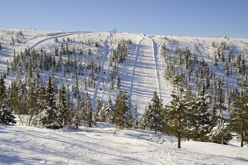 Funcionamiento de esquí imagen de archivo