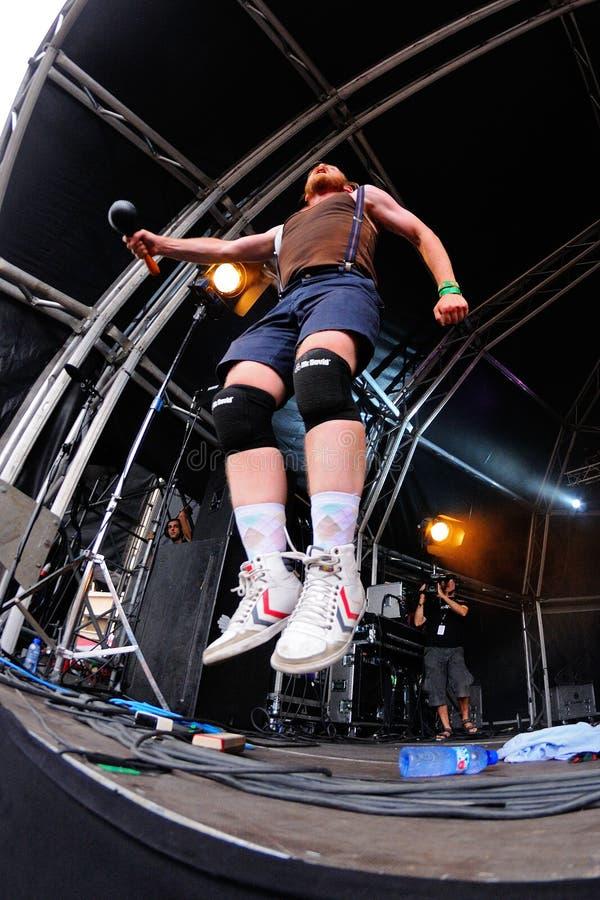 Funcionamiento de FM Belfast (electro banda de estallido de Reykjavik, de Islandia) en el festival del sonar fotografía de archivo