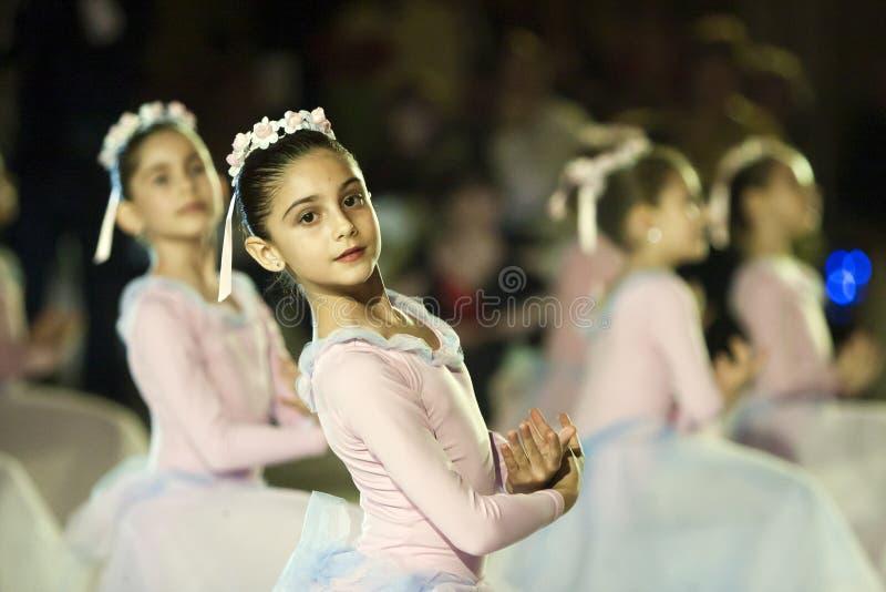Funcionamiento del ballet en la bola de Viena en Bucarest imagen de archivo