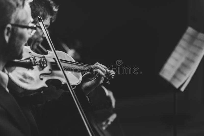 Funcionamiento del concierto de la música clásica imagen de archivo
