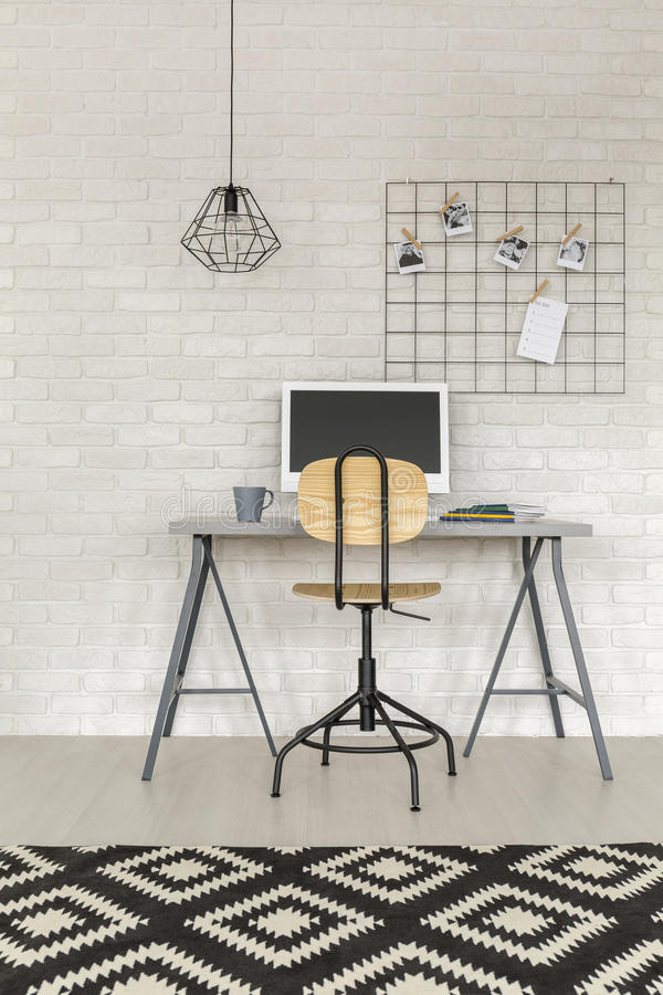 Free Functional Study Area With Desk Stock Photos - 83947033