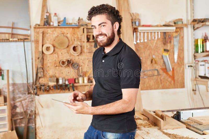 Fundador de una compañía de lanzamiento del carpintero fotos de archivo