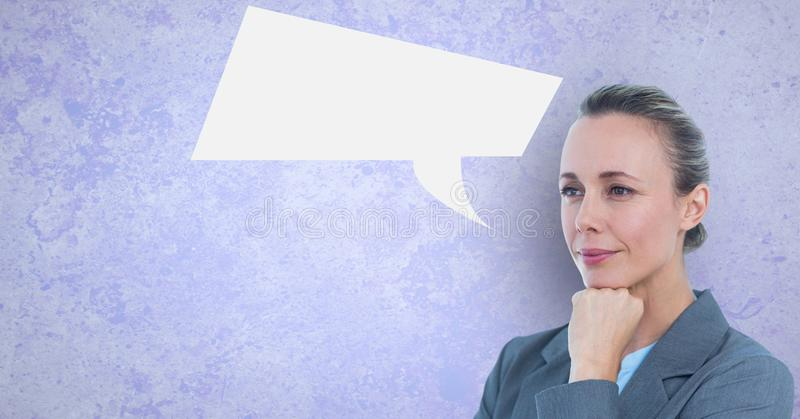 Fundersam affärskvinna med anförandebubblan vektor illustrationer