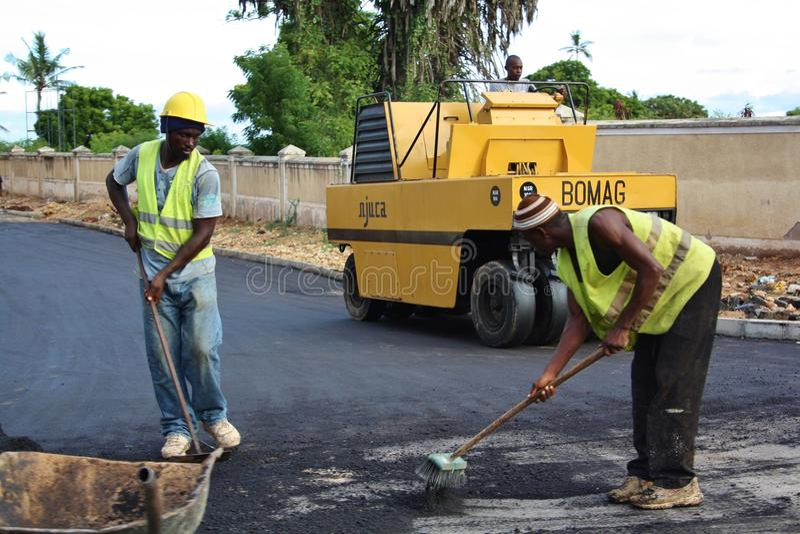 Fundis дорожной работы mombasa стоковые изображения rf