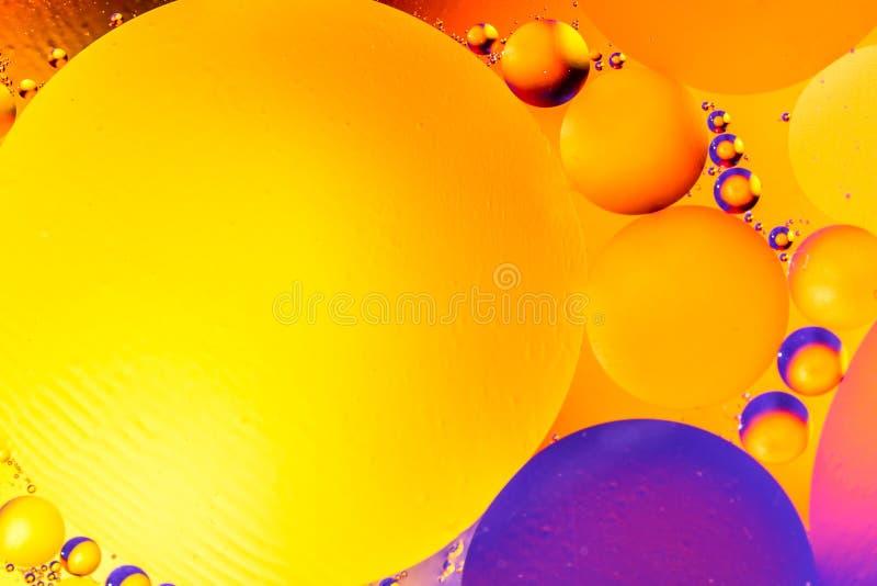 Fundo abstrato cósmico do universo do espaço ou dos planetas Sctructure abstrato do átomo da molécula Bolhas da água Tiro macro d imagens de stock