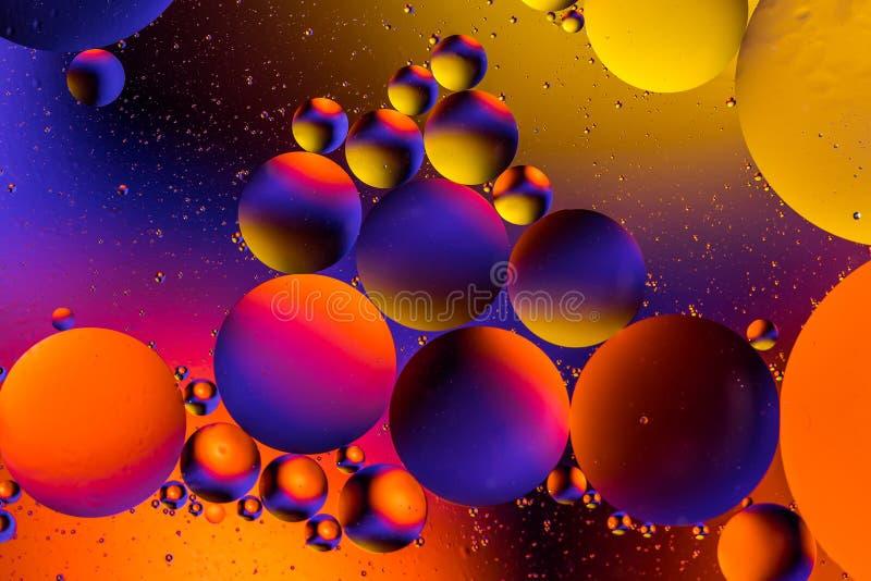 Fundo abstrato cósmico do universo do espaço ou dos planetas Sctructure abstrato do átomo da molécula Bolhas da água Tiro macro d fotos de stock