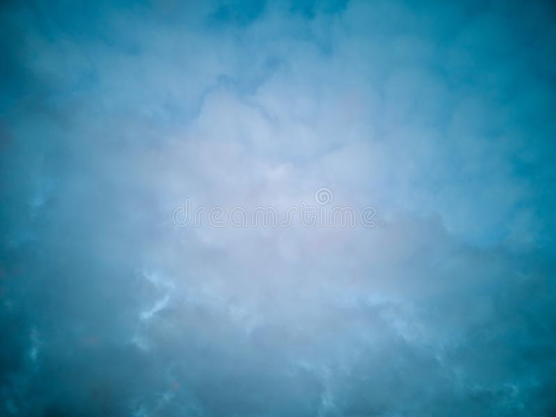 Fundo abstrato das nuvens do céu fotografia de stock