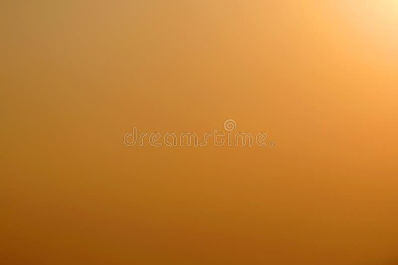 Fundo abstrato do céu do projeto do amarelo do inclinação foto de stock