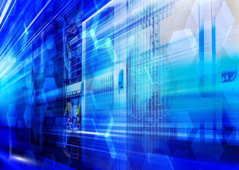 Fundo abstrato do fundo dos hexágonos sobre o hardware do servidor dos rads Conceito da tecnologia da informa??o e de dados grand imagem de stock royalty free