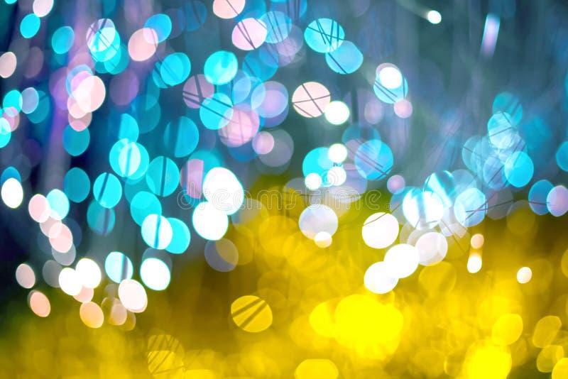 Fundo abstrato elegante do Natal festivo com luzes e as estrelas roxas e de néon do bokeh ilustração royalty free